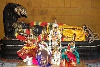 திருச்சி ஸ்ரீரங்கநாதர் ஆலயத்தில் பெருமாள். படம்: இணையம்