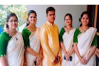 சகோதரிகளுடன் உத்ராஜன். படம்: ஊடகம்