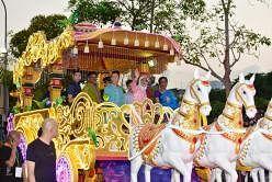 தீபாவளி ஒளியூட்டு: ஜொலிக்கும் லிட்டில் இந்தியா