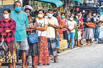 நேற்றுக் காலை நிலவரப்படி இலங்கையில் 97 பேர் கிருமித்தொற்றால் பாதிக்கப்பட்டுள்ளதாக தெரிவிக்கப்பட்டது. படம்: ஏஎஃப்பி