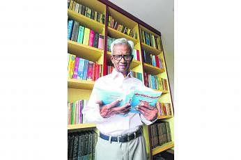 மூத்த எழுத்தாளர் பி.கிருஷ்ணன்.
