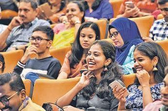 சிங்கப்பூர்த் தேசிய பல்கலைக்கழகத் தமிழ்ப் பேரவையின் ஏற்பாட்டில் கடந்த மாதம் 30ஆம் தேதி உட்லண்ட்ஸ் நூலக அரங்கத்தில் நடைபெற்ற 'களம் 2019' நிகழ்வில் கிட்டத்தட்ட 180 பேர் கலந்துகொண்டனர். படம்: ஸ்ட்ரெய்ட்ஸ் டைம்ஸ்