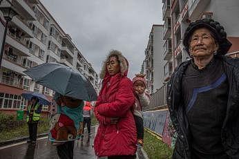 மில்லியன் கணக்கான மக்கள் வறுமையில்  தள்ளப்படுவார்கள்: உலக வங்கி