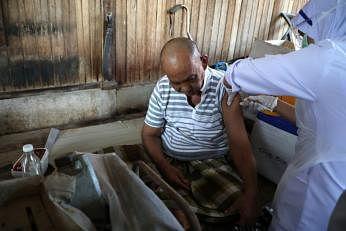 பூஸ்டர் தடுப்பூசிகளைக் கொடுக்க தயாராகி வரும் மலேசியா