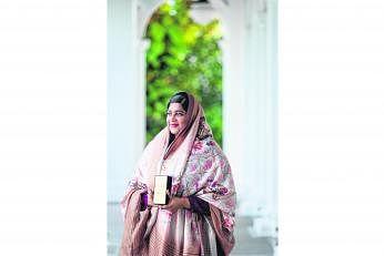 விருது பெற்ற திருமதி நஸ்ஹத் ஃபஹீமா. படம்: சாவ்பாவ்