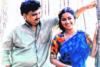 'கேளடி கண்மணி' படத்தில் ராதிகாவுடன்.